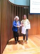 Giancarla Minuti Guareschi di Sydney conferisce un primo premio alla Giornata della Dante 2019