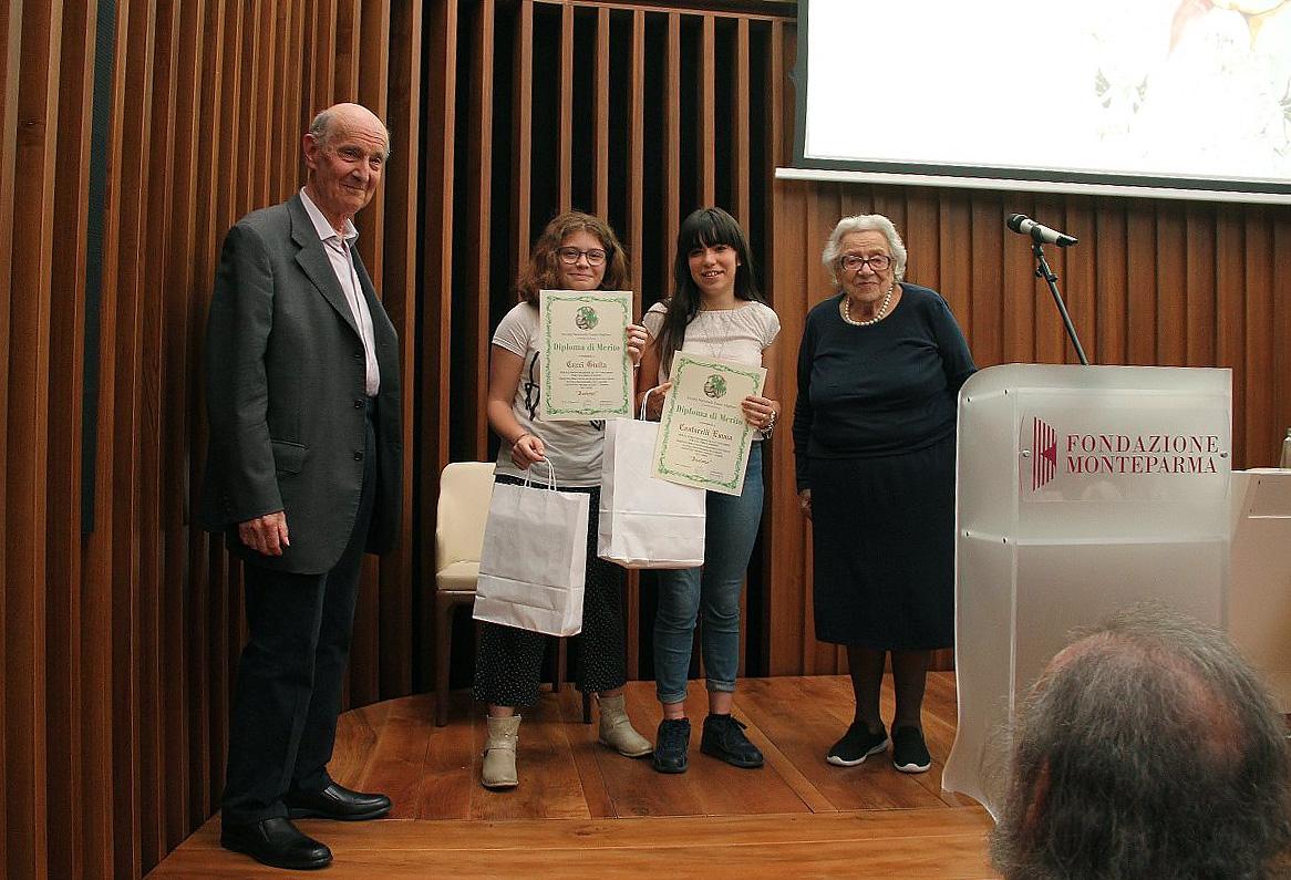 09-Una-premiazione-con-Marchetti-e-Guastalla