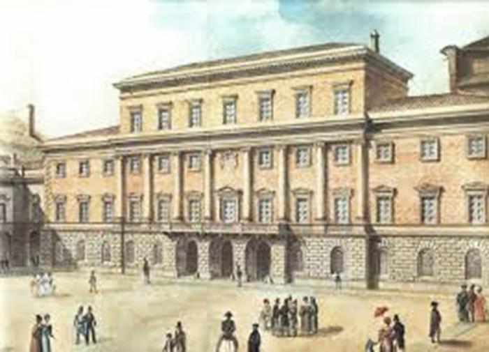 Il Palazzo Ducale con la facciata neoclassica di Nicola Bettoli