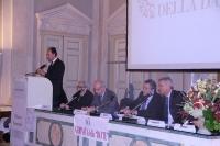 Il dott. Erico Verderi del Gruppo Intesa Sanpaolo prende la parola