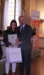Un'alunna e il prof. Roberto Del Signore, Presidente della Fondazione Monte di Parma